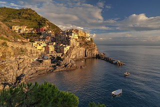 *Manarola @ sunset mood*