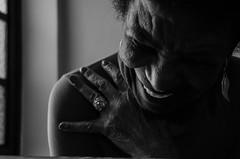 Foto-Arô Ribeiro-3338 (Arô Ribeiro) Tags: pho blackwhitephotos photography laphotographie blackandwhite blackandwhiteportrait protait arte cantora evamartins música brazil sãopaulo arôribeirofotógrafo nikond7000 nikond40x thebestofnikon nikon ourstreet