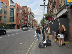 Wigmore Street. 20180818T16-24-59Z (fitzrovialitter) Tags: peterfoster fitzrovialitter city camden westminster streets rubbish litter dumping flytipping trash garbage urban street environment london fitzrovia streetphotography documentary authenticstreet reportage photojournalism editorial captureone olympusem1markii mzuiko 1240mmpro microfourthirds mft m43 μ43 μft geotagged oitrack exiftool linearresponse