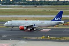 Scandinavian Airlines (SAS) Airbus A320-232 OY-KAY (EK056) Tags: scandinavian airlines sas airbus a320232 oykay düsseldorf airport