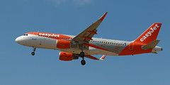 EasyJet / Airbus A320-214 / G-EZOX (vic_206) Tags: easyjet airbusa320214 gezox bcn lebl 20yearslivery