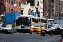 Agitated compressed Lexington Avenue traffic (Can Pac Swire) Tags: newyork city usa us america american unitedstates manhattan uppereastside lexingtonavenue 1108 traffic chaotic 2018aimg7659 taxi cab taxicab bus mta