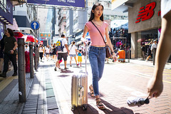 Street Style (人間觀察) Tags: leica m240p leicam leicamp hong kong street photography people candid city stranger mp m240 public space walking off finder road travelling trip travel 人 陌生人 街拍 asia girls girl woman 香港 wide open 28mm voigtlander voigtlander28mmf19