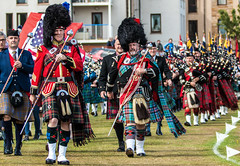Massed pipes and drums (Matthias-Hillen) Tags: uk scotland schottland united kingdom grosbritanien nairn highland games 2018 piping band marching massed bagpipes pipes drums dudelsack kilt trommel matthias hillen matthiashillen