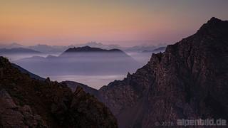 Morgendämmerung über Karwendel und Inntal