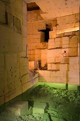 Plage souterraine (Chapodepay) Tags: catacombes catacombesdeparis catacombs calcaire urbex urbaine urban urbexfrance urbexphotography explorationurbaine explorate exploration nuartistique nudeart