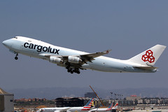 Cargolux | Boeing 747-400F | LX-FCL | hybrid Cathay Pacific livery | Los Angeles International (Dennis HKG) Tags: cargolux clx cv aircraft airplane airport plane planespotting cargo freighter canon 7d 100400 losangeles klax lax boeing 747 747400 boeing747 boeing747400 747400f boeing747400f lxfcl