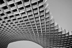 spreading over (Leo Barichello) Tags: spain seville buildings urban europa europe bw pb