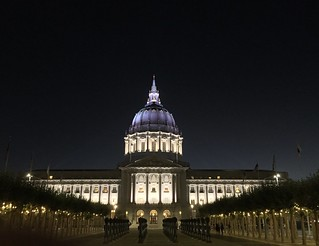 What a city we live in (San Francisco City Hall)