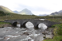 Isle of Skye: Sligachan Old Bridge (Helgoland01) Tags: westernisles skye scotland schottland uk river creek bridge brücke landschaft landscape