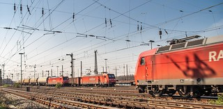 070_2007_03_28_Oberhausen_West_Mathilde_RAILION_185_157_mit_Kesselwagenzug_RAILION_145_021_mit_Eaos_Osten