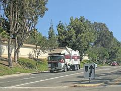 Edco Truck 9-6-18 (Photo Nut 2011) Tags: california sandiego sanitation wastedisposal garbage trash garbagetruck trashtruck refuse junk waste truck edco ranchobernardo m228