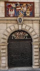 Kraków... Jagiellonian University, Saint Anne 6 gate (marek&anna) Tags: krakow university jagiellonianuniversity gate 6 saintannestreet coatsofarms