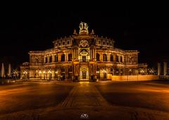 Semperoper Dresden in golden lights (stein.anthony) Tags: cityscape deutschland dresden germany nachtaufnahme sachsen sightseeing stadt architektur architecture nightview lights langzeitbelichtung