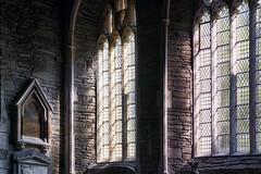 licht (roberke) Tags: church kerk vensters ramen windows indoor interieur interior glasramen eenvoudig eenvoud sunlight zonlicht