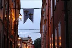 Una bella atmosfera a Castelvetro (c.colombini) Tags: atmosphere light canoneosm5 atmosfera luci evening serata sera borgoantico borgo italy emiliaromagna castelvetro