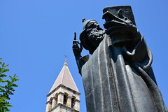 Gregory of Nin Grgur Ninski statue (Split, Hrvatska 2018) (paularps) Tags: paularps beer ozujsko ozujskobeer hrvatska croatia kroatië flickr reizen travel europa europe 2018 culture nature sailing islandhopping unesco worldheritagesite adriatic adriaticcoast zeilen fietsen biking island islands