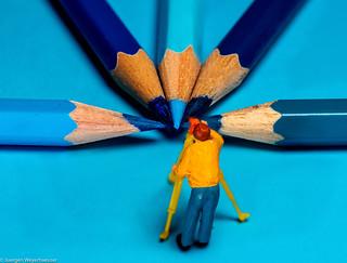Tiny people - Making of Macro Friday #blue