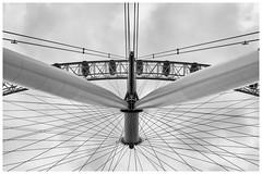 The wheel [1444] (my.travels) Tags: wheel london eye londoneye monochrome blackwhite england architecture britain unitedkingdom greatbritain blackandwhite samsung nx2000 gb