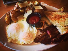 Saturday Brunch at Farm Table Simple but tasty and exactly what I wanted. #Food #Brunch #FarmTable #Eggs #Breakfast #Restaurant #VanNuys (dewelch) Tags: ifttt instagram saturday brunch farm table simple but tasty exactly what i wanted food farmtable eggs breakfast restaurant vannuys