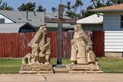 """Volga German Family"" Statue in Victoria, Kansas (BeerAndLoathing) Tags: religion summer 2017 roadtrip kansas 77d colorado trip canon eclipsetrip august usa victoria unitedstates us canoneos77d"