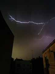 """Tormenta """"Arcus"""" en Zaragoza (Fotografías Gaby) Tags: tormenta storm lightning rayos relampagos nubes clouds arcus zaragoza meteorologia meteorology"""