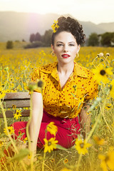 DSC_0484 (Randy Poe) Tags: pinup retro feild flowers lovely hair beehive curls eyes yellow gold colorado springs randy poe photography bokeh nikon d7100