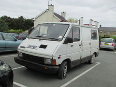 Renault Trafic. (Andrew 2.8i) Tags: car cars classic classics carspotting street spot spotting camper french ven panelvan t800 trafic renault