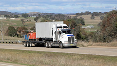 White Jerrawa KENWORTHs (3/4) (Jungle Jack Movements (ferroequinologist)) Tags: jerrawa yass nsw new south wales australia hume highway kenworth bricks hp horsepower big rig haul haulage freight cabover trucker drive transport carry delivery bulk lorry hgv wagon road nose semi trailer deliver cargo interstate articulated vehicle freighter ship motor engine power teamster truck tractor prime mover diesel cab cabin loud wheel ray marshall londonderry agility logistics leocatas tat tatura vic rgs lake wyangan visy