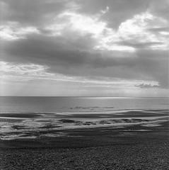 Silver seas (l'imagerie poétique) Tags: mediumformatfilm 120film 6x6 squareformat kodaktmax400 ishootfilm normandie lamer thesea lamanche northernlight clouds annesilver