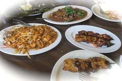 Cambodian cuisine (minus the rice) (Riex) Tags: plate dish food nourriture lunch meal plat cambodian cuisine cambodgienne restaurant chezsovan sanjose california californie g9x