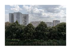 Paris Belleville (David S*) Tags: paris france frankreich cityscape urbanlandscape newtopographics canon canoneosm5 efm22mmf2stm efm22mm belleville parcdebelleville
