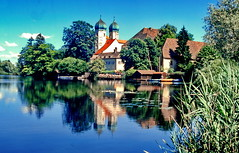Kloster Seeon, Bavaria (gerard eder) Tags: world travel reise viajes europa europe deutschland germany alemania bayern bavaria baviera landscape landschaft lake lago see paisajes panorama seeon klosterseeon kloster kirche iglesia church reflections spiegelung wasser water outdoor natur nature naturaleza