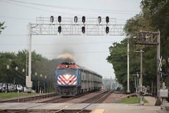 Rushing West (Railfan Dan) Tags: bnsfrailway bnsf bnsfchicagosubdivision bnsfchicagosub bnsfracetrack metra lagrangeroad passengertrain lagrangeiltrains lagrangeillinoistrains