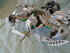 Silver Chute Spider (Vahki6) Tags: lego bionicle rahi silver chute spider moc instructions