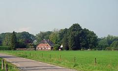 Veluwse boerderij (♥ Annieta ) Tags: annieta september 2018 sony a6000 nederland netherlands gelderland veluwe parkveluwezoom eerbeek boerderij farm ferme landschap landscape allrightsreserved usingthispicturewithoutpermissionisillegal