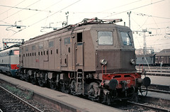 FS E428 127 (maurizio messa) Tags: breda lombardia milanocentrale e428 mau bahn ferrovia treni trains railway railroad yashicafxd