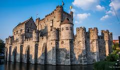 2018 - Belgium - Gent - Gravensteen Castle (Ted's photos - For Me & You) Tags: 2018 belgium cropped ghent nikon nikond750 nikonfx tedmcgrath tedsphotos vignetting gravensteencastle gravensteencastleghent castleofthecounts castleofthecountsghent bluesky