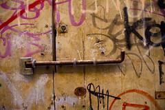 Eivissa (jaocana76) Tags: ibiza ebusus ʾībošim islaspitusas baleares españa spain puerta door candado cerrojo padlock cerradura lock isla jaocana76 canoneos7d canon18200 canon madera wood