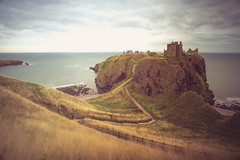 Game of thrones (Dkm-Media) Tags: castle landmark historical sea ocean green blue yellow urban ruins urbex decay clouds soft warmth scotland europe coast waves landscape