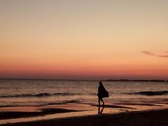 Right now...justo ahora (Raquel Borrrero) Tags: beach sunset twilight anochecer elpuertodesantamaría vistahermosa cádiz spain puesta de sol océano mar playa cielo agua sea arena luz light