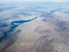 Lake Havasu.  P2018-0617T151401 (Tim and Renda) Tags: year2018 md0617 chicagotosandiegoflight focallength43mm shutterspeed1050thofasecond coloradoriver azyuccalarnedslanding londonengland larnedslanding yucca arizona geotagged windowviews usa riversstreamsandwaterways june17 iso50 southwestairlines samungsmg965u1t t1514 geo:lon=11398839997 grandcanyon londonbridge robertpmcculloch mojave geo:lat=3436910900 unitedstatesbureauofreclamation aviation windowviewswhileinflight sandiegocaliforniatrip parkerdam lakehavasucity stateofarizona unitedstates lakehavasu fstop24 southwestairlinesflight3371