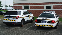 Pennsylvania State Police (Emergency_Spotter) Tags: pennsylvania state police ford interceptor utility crown victoria psp taurus sedan fpis cvpi fpiu steelies tape chevrons trooper rwd v8 whelen liberties antennas