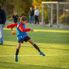 20180913 Milo fotbollsträning - 13 september 2018 - 04 (OskarB_65) Tags: barn children football fotboll humans laughter människor portait porträtt skratt smile sommar stockholm training solnakommun stockholmslän sverige se