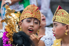 IMG_6697-tr (JLBenazra) Tags: bali cérémonie sawan indonésie costumes