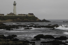 Pigeon Point Beach on a typical summer day. (trifeman) Tags: 2018 summer california canon 7d canon7dmarkii beach sanmateo hwy1 pescadero pacific pigeonpointlighthouse pigeonpointbeach ocean august