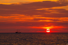 Towards the Sunset (Slav.Burn) Tags: balticsea sunset darłówko skycolors sky pentaxart pentax