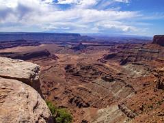 Scenic Overlook (Mr.Lujan) Tags: moab utah arches nationalparl deadhorsecanyonnationalpark canon sony olympus scenicoverlook canyons redrocks