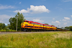 Watch Your Speed! (tim_1522) Tags: railroad railfanning rail missouri mo kansascitysouthern kcs officecarspecial ocs fp9a f9b emd passenger roodhouse sub subdivision