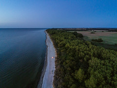 Night at beach (Traumfotos Trautmann) Tags: abendlicht anafi balticsea barendorf blauestunde dassow drohne drone dämmerung luftaufnahme luftbild lübeckerbucht mecklenburgvorpommern multicopter ostsee ostseeküste ostseeurlaub parrot parrotanafi quadcopter quadrocopter sonnenuntergang strand uas uav abends aerial aerialphoto aerialphotography aerialview beach uavphotography meer sea ozean ocean gewässer water wasser himmel sky baum bäume balticseacoast